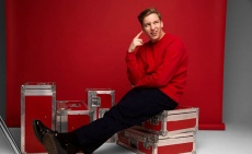 George Ezra pushes for Top 3 with single Paradise