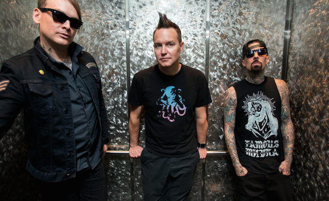 Blink-182 signs to Columbia for new album