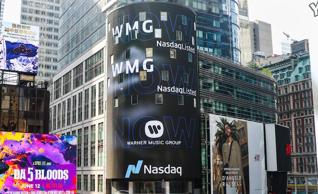 Warner Music Shares Rise After $1.9 Billion Upsized U.S. IPO