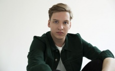 George Ezra confirms second album and tour dates