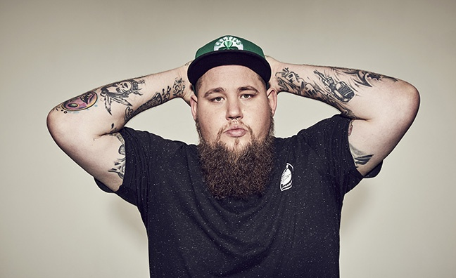 Rag'N'Bone Man outselling midweek Top 20 combined