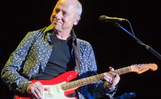 Promoters warned over Dire Straits' unauthorised agent scam